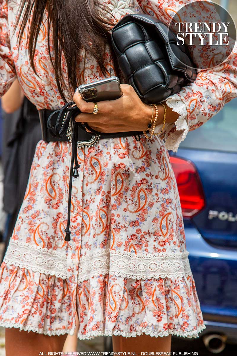 Mode accessoires zomer 2021. Over-accessorizing is de trend!
