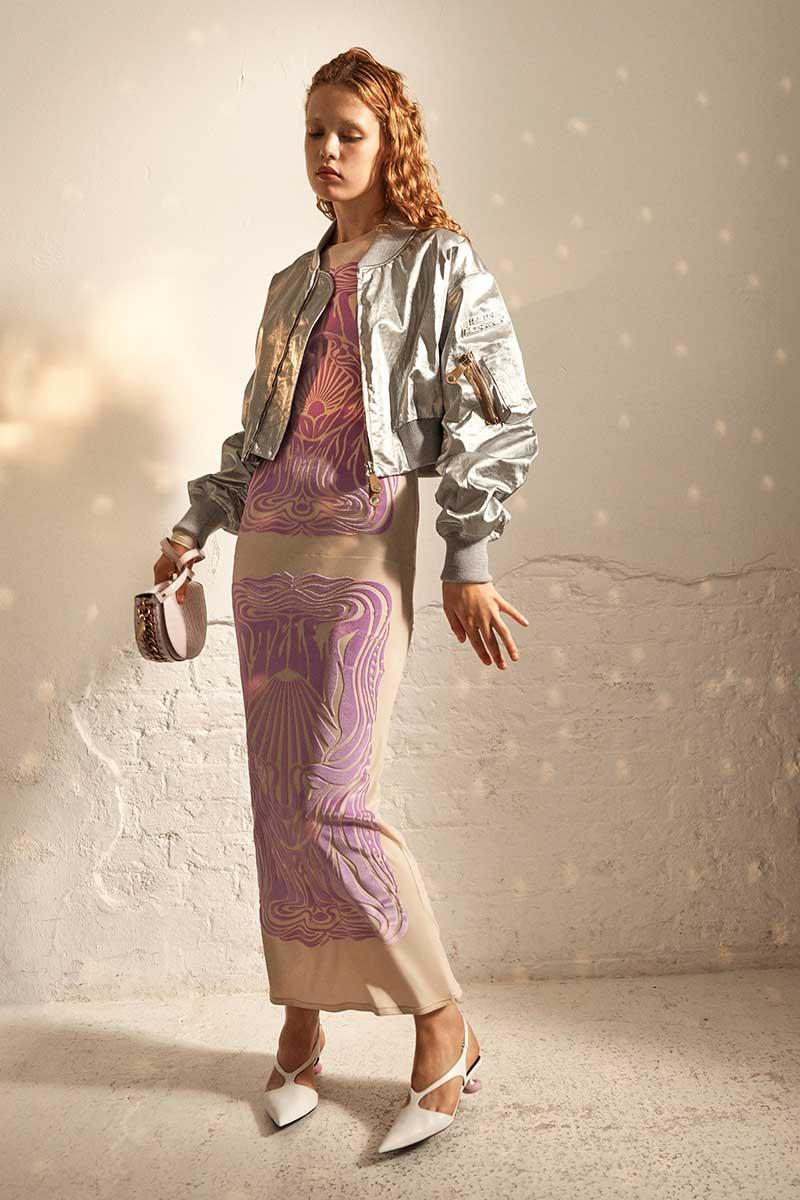 Fashionista's opgelet! Loop vooruit op de modetrends voor 2022! Photo: courtesy of Stella McCartney