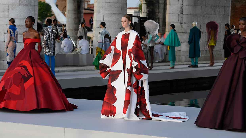 Valentino Des Ateliers. Spectaculaire Haute Couture Collectie Valentino in Venetië