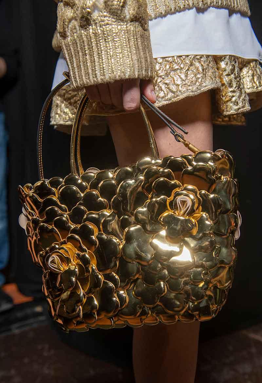 Dit zijn de nieuwste modetrends voor herfst winter 2021 2022. Photo: courtesy of Valentino