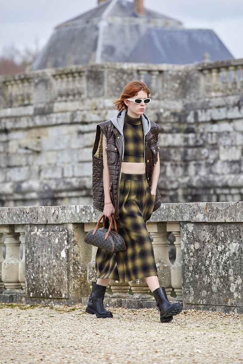 Modetrends herfst 2021. Van bodywarmer tot mouwloze trench coats