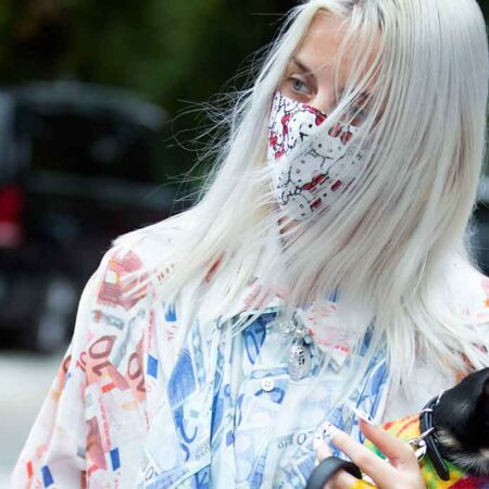 Grey blending is dé haartrend voor winter 2021 2022. Grijs haar is trendy. Voor alle leeftijden!