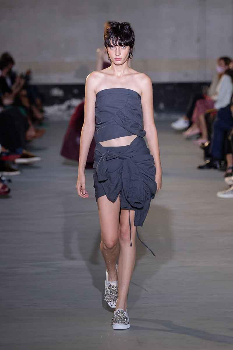 Kapseltrends. De mooiste korte kapsels op de catwalks voor zomer 2022