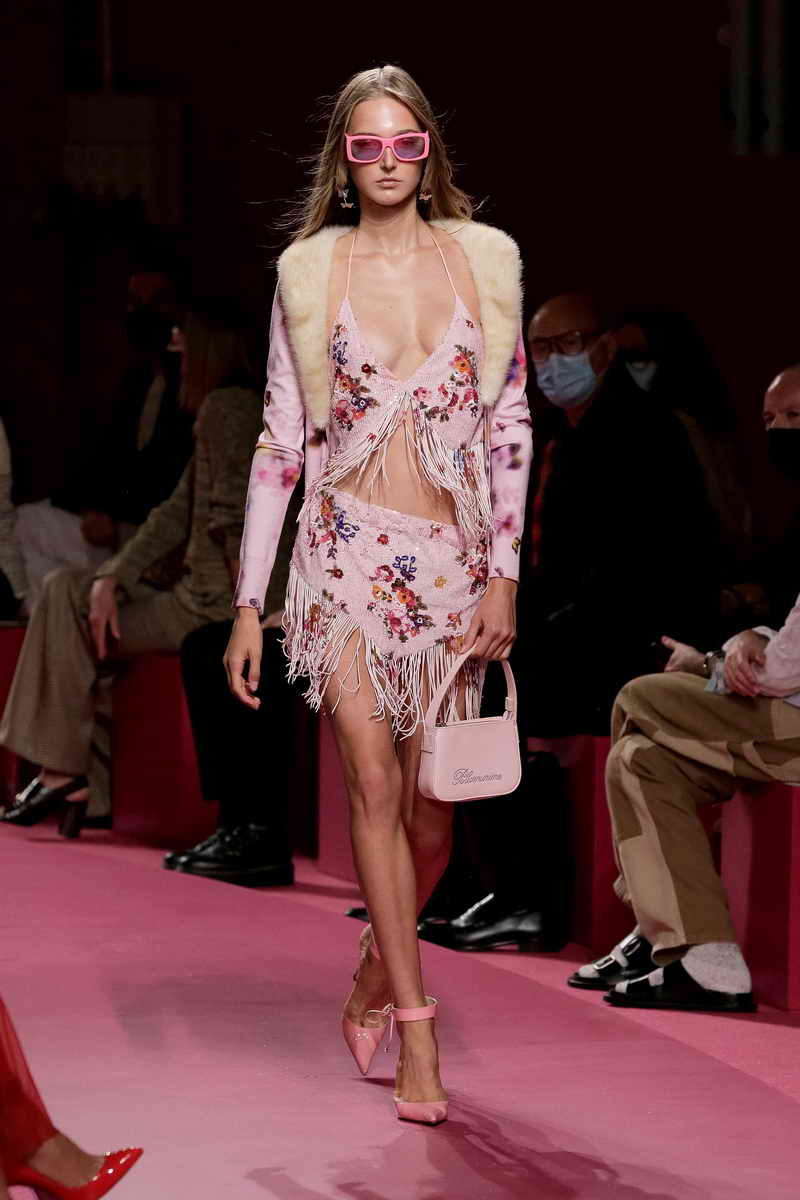Blumarine modecollectie lente zomer 2022