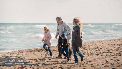 Psychologie. Ouderschap op latere leeftijd. Brainstormen over de voor- en nadelen