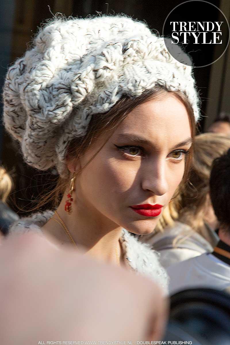 Mode accessoires 2021. Muts, hoed, baretje à la Parisienne