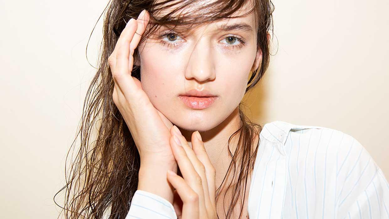 Beauty trends. 3x Anti-aging tips voor een strakke kaaklijn