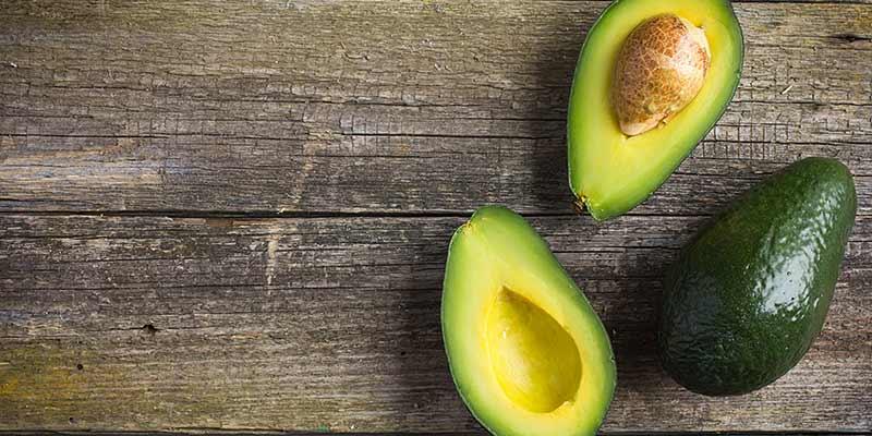 Avocado. Die fantastische vrucht! Voedingsweetjes, ideeën en een schoonheidsmasker
