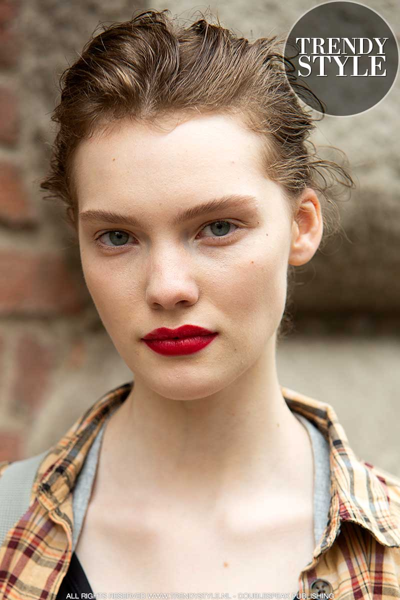 Make-up trends 2021. Trend alert: rode lippenstift. Foto: Charlotte Mesman