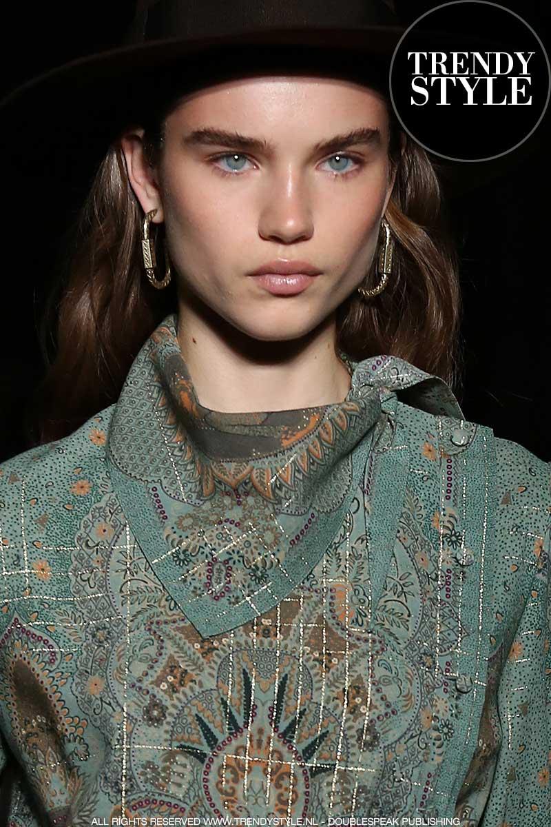 Make-up trends winter 2020. Trend alert: omhoog gekamde wenkbrauwen