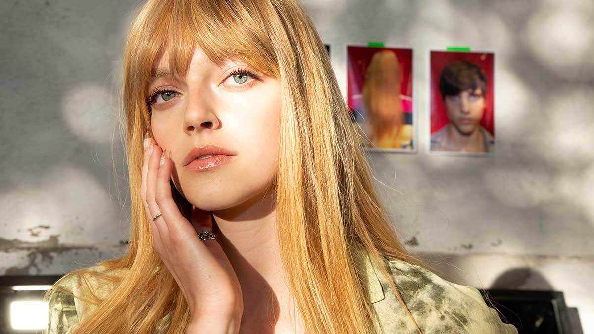 Beauty trends en tips. S.O.S Wenkbrauwen, gelnagels en haar extensies