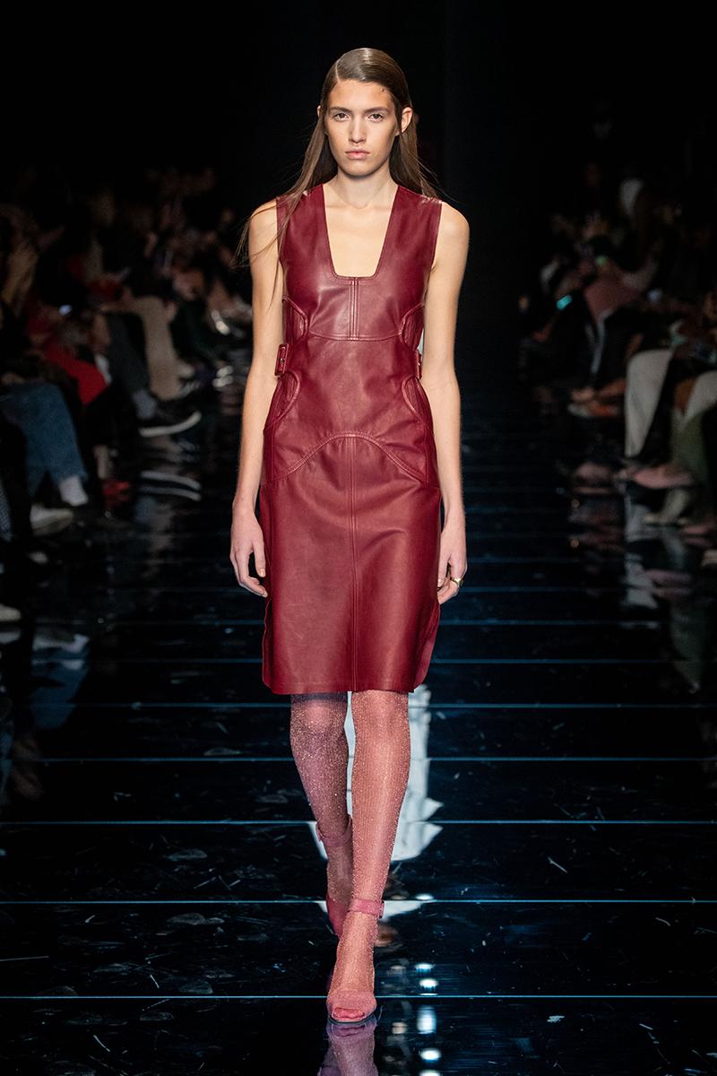 Mode accessoires winter 2020 2021. Pantykous of cuissarde. Foto: Sportmax