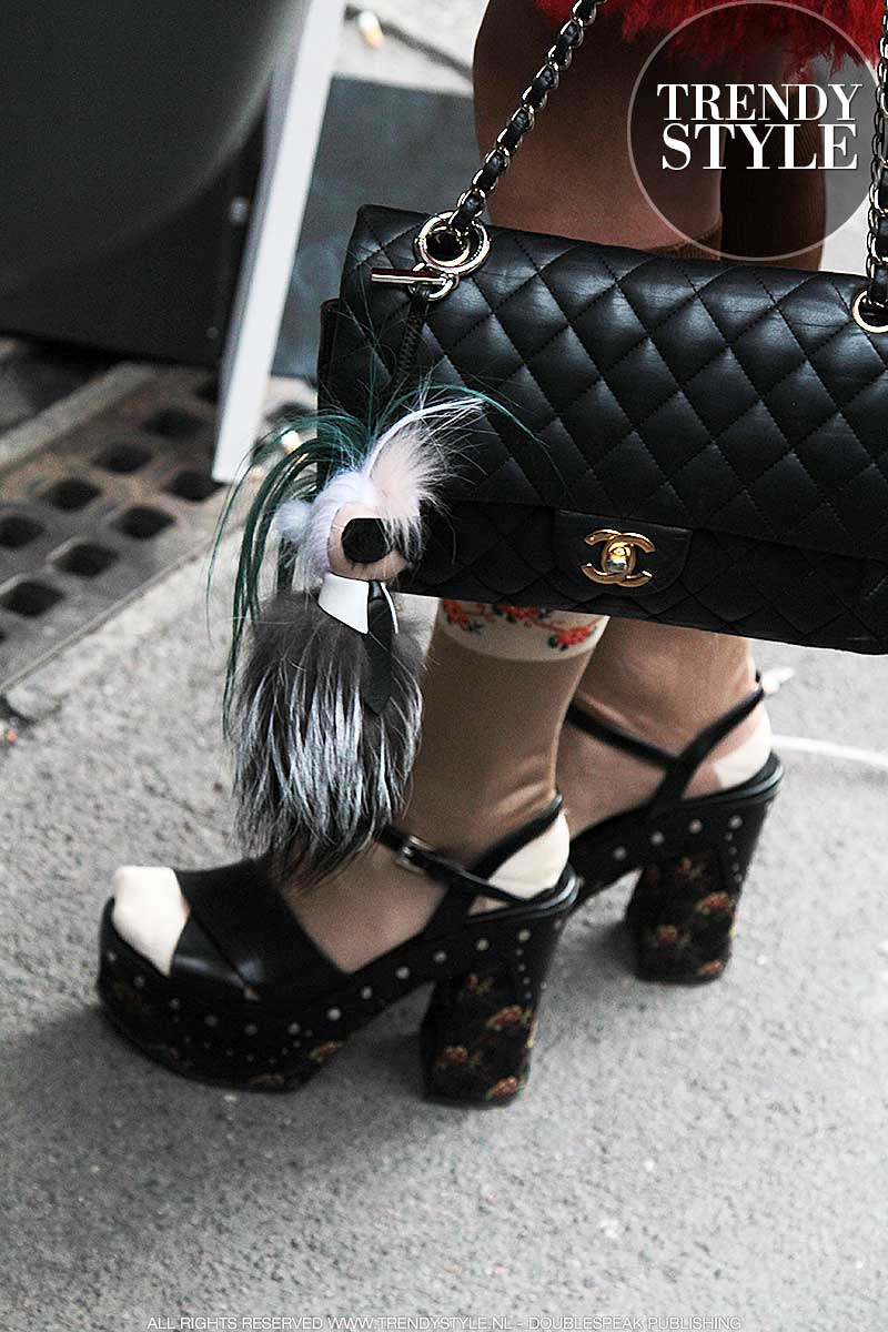 Sandalen met fantasiekousjes