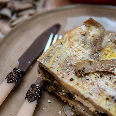 Boekweitlasagne met paddenstoelen, spinazie en fetakaas. Buonissimo!