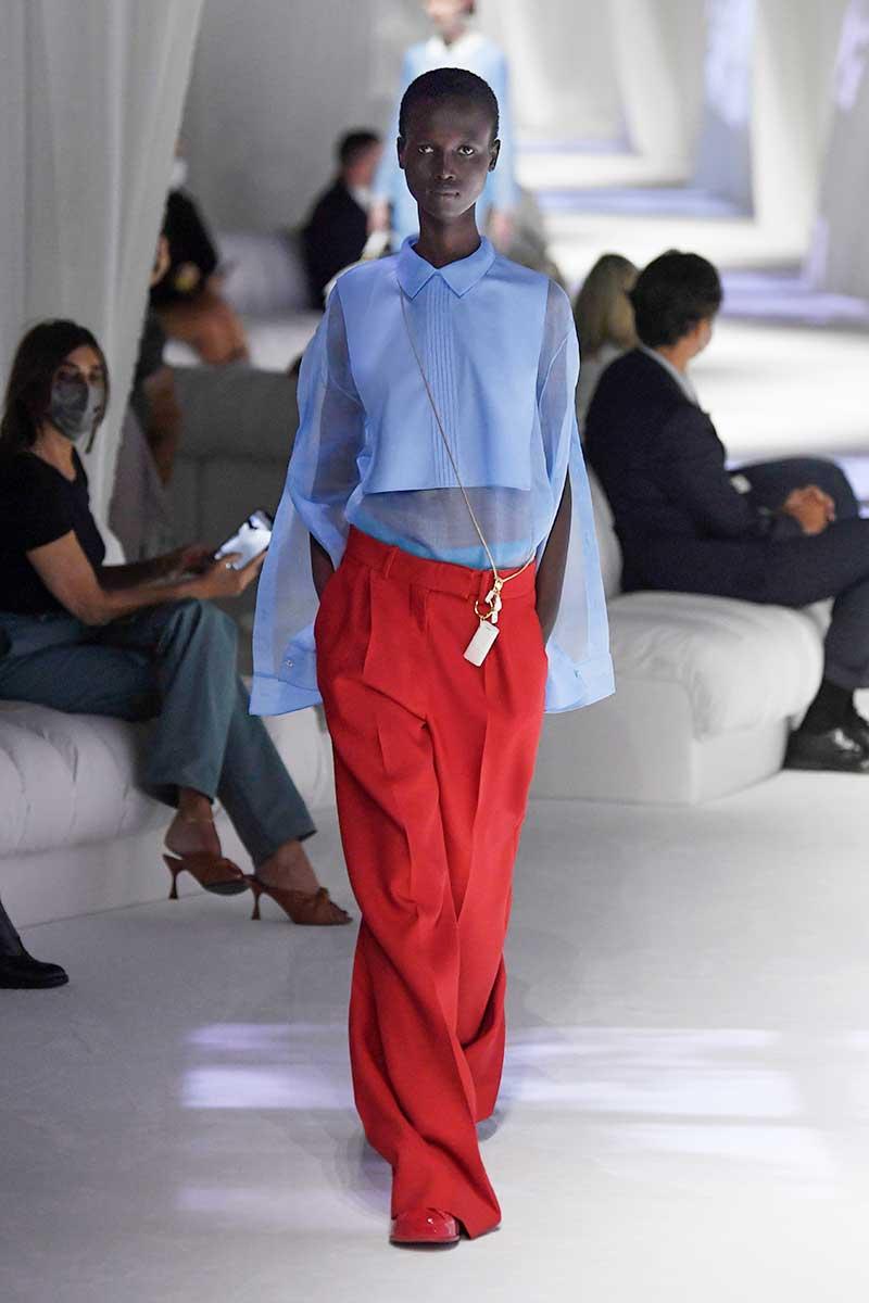 Modetrends lente zomer 2021. Oversize broeken