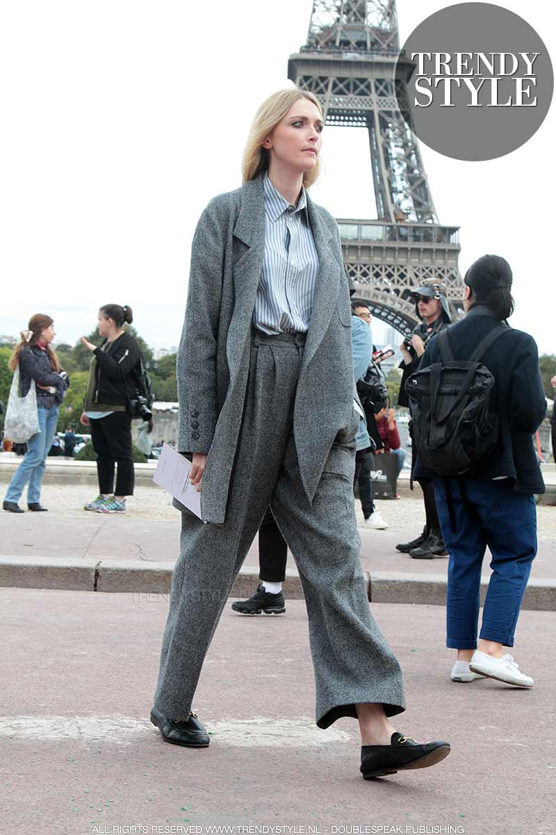 Mode trends winter 2017 2018. Broekpakken. Streetstyle Paris Fashion Week