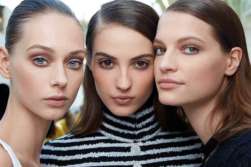 Make-up trends 2020. Backstage bij de Chanel Haute Couture lente zomer 2020 Show met Lucia Pica