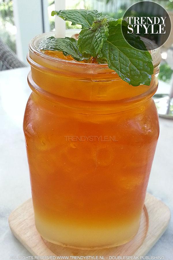 Huisgemaakte citroenijsthee