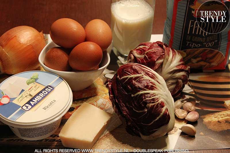 De Italiaanse keuken. Crêpes met radicchio en ricotta