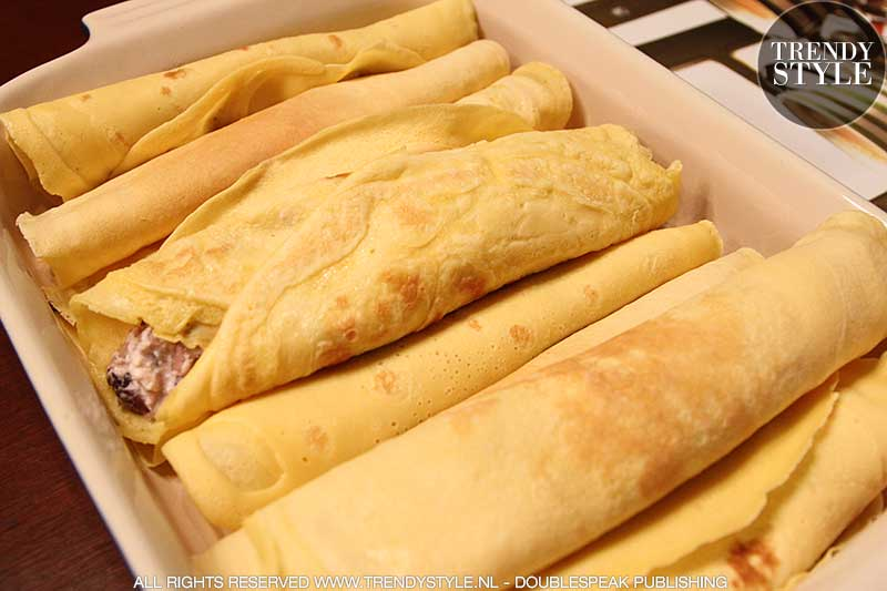 De Italiaanse keuken. Crêpes met radicchio rosso (roodlof) en ricotta