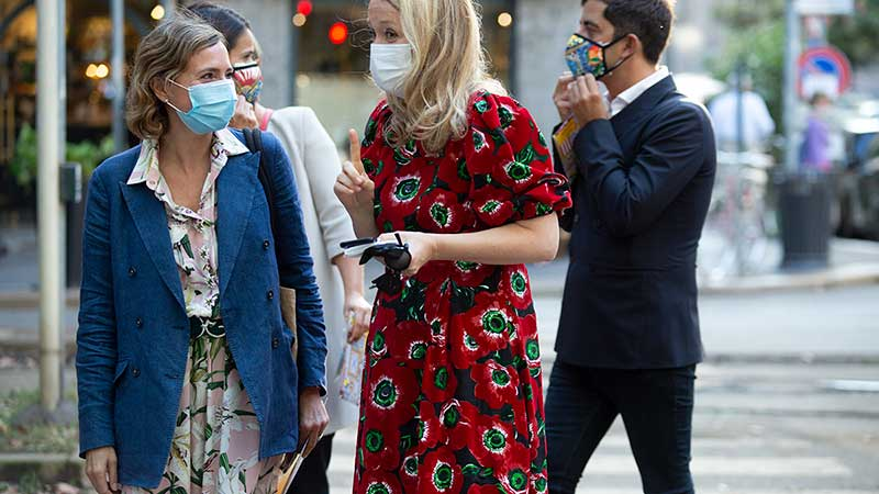 Milan Fashion Week zomer 2021. Modetrends en streetstyle