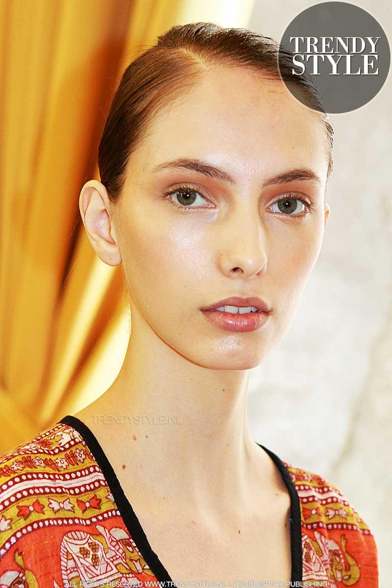 Zongekuste make-up look