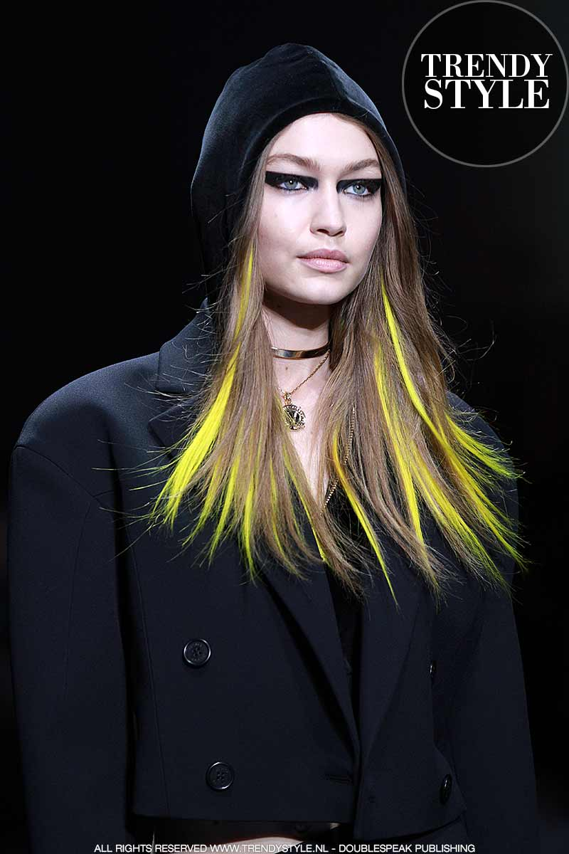 Haarkleuren trends 2018. Photo: courtesy of Versace
