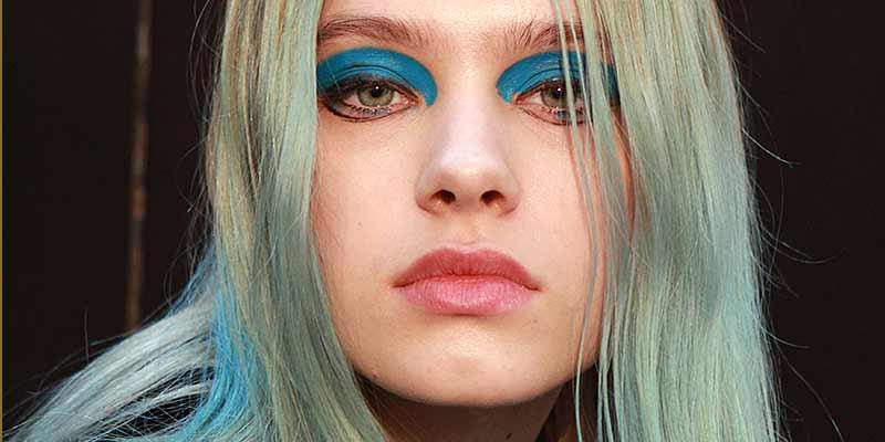Haarkleuren vrouw 2018. Show: Leonard herfst winter 2017 2018, model: Sasha Belyaeva, ph. Charlotte Mesman