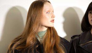Haartrends 2021. Haarkleur dof? Deze DIY oplossing voor glossy haar moet je kennen