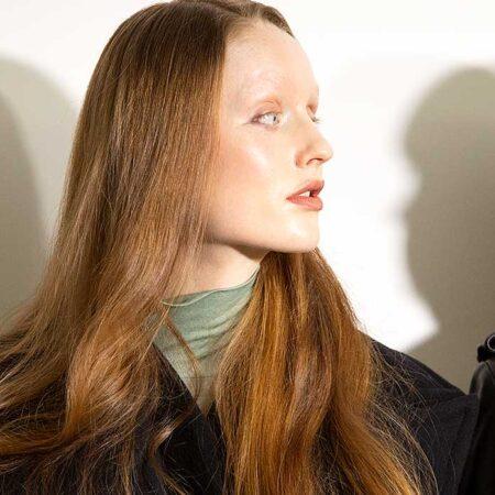 Haartrends 2021. Haarkleur dof? Dit is de DIY oplossing voor hoogglans haar