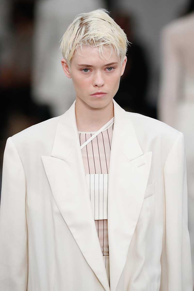 Haarkleurtrends 2021. Wit haar is dé trend