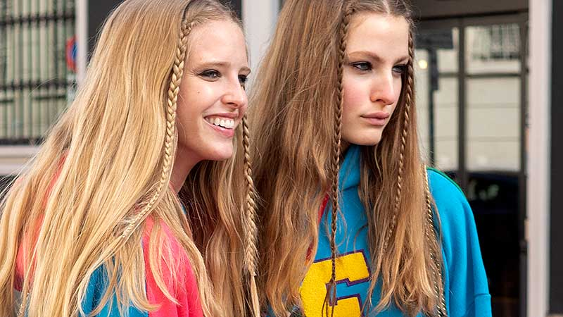 Haarkleurtrends 2021. Uit: highlights. In: microlights, balayage en color block
