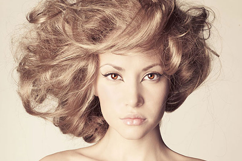 Haartrend: haarpoeders en dust. Wat doet het voor je?