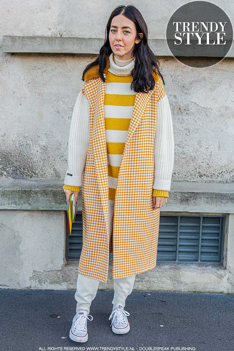 Streetstyle mode winter 2020 2021. Chillaxen in hippe holiday looks. Milano Fashion Week