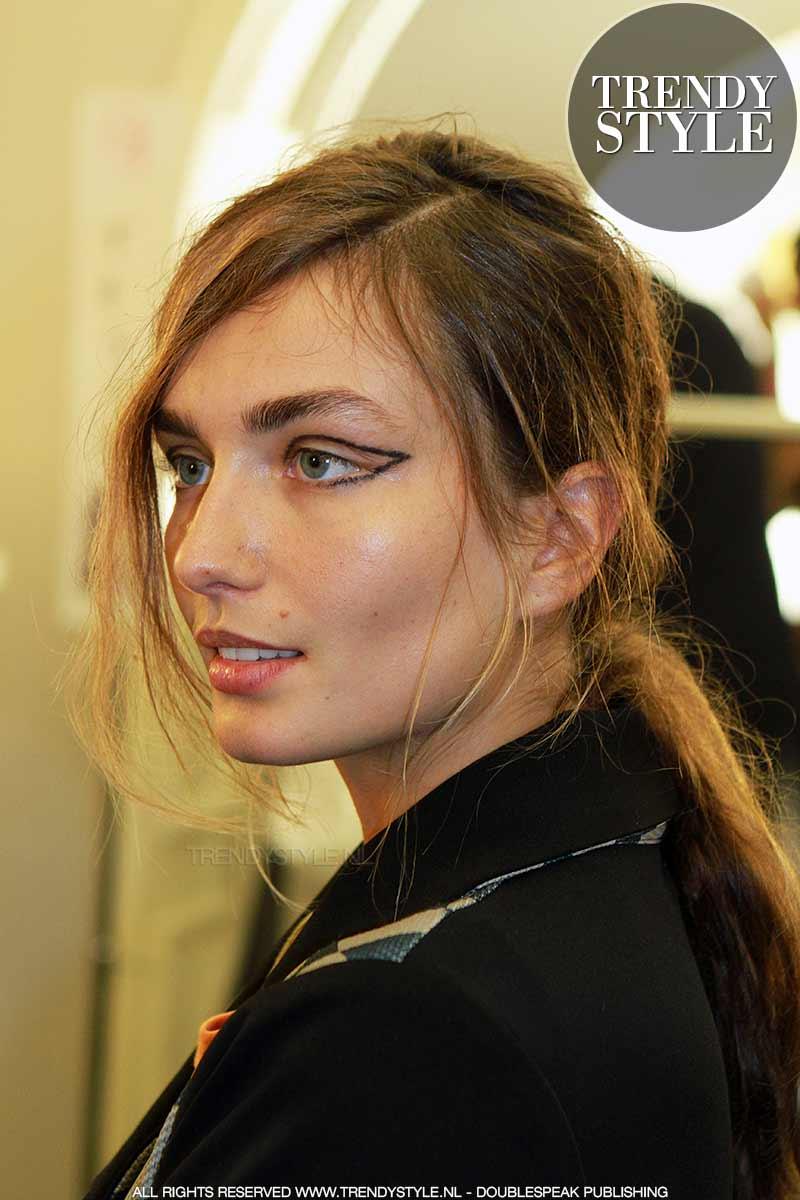 Make-up. Eyeliner