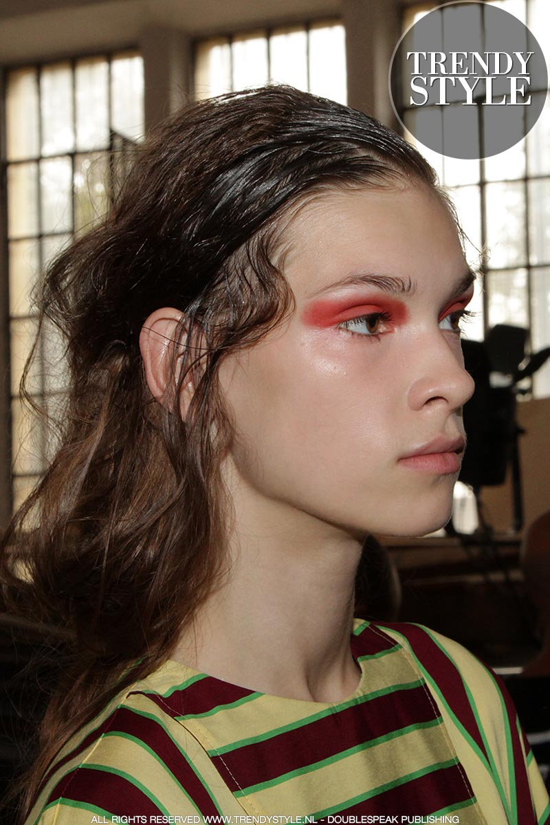 Kapsel trends zomer 2019. Wet look kapsel