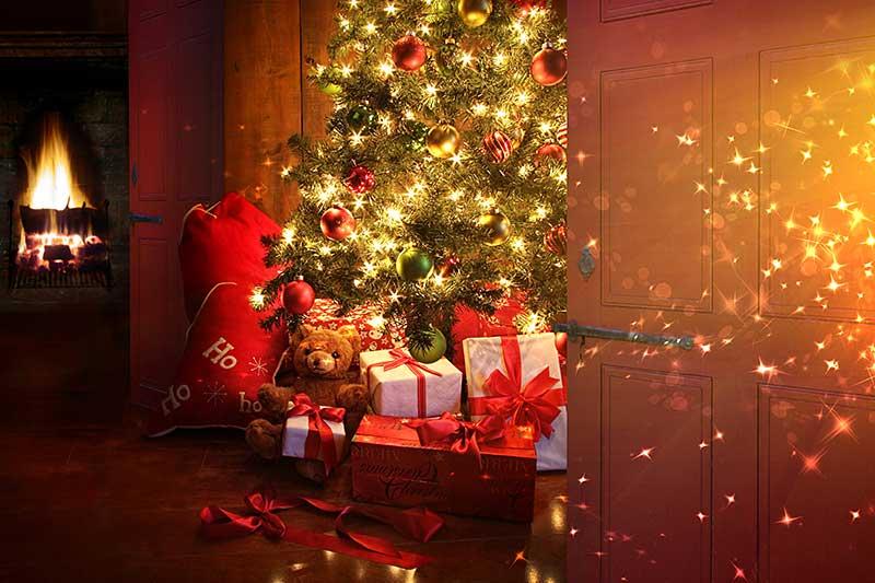 De kerstboom te versieren. 10 Lieve en ironische tips - TRENDYSTYLE: www.trendystyle.net/kerstboom-versieren-10-lieve-en-ironische-tips