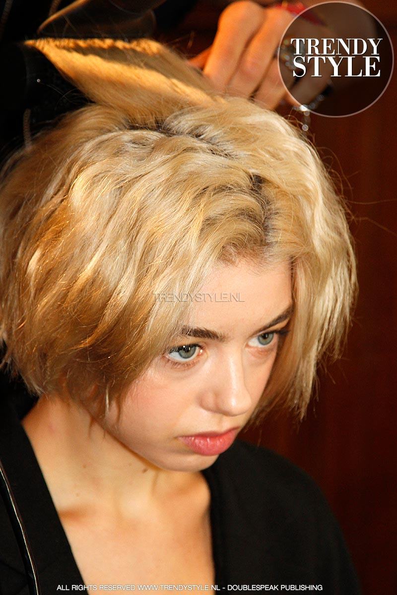 kort-kapsel-blond-02