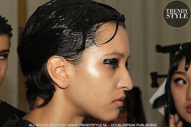 Make-up zomer 2019. Eyeliner met gloss