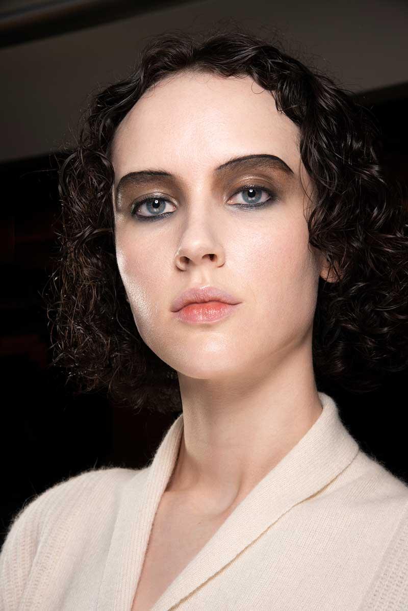 Make-up trends najaar 2020. Klassiekers: rode lippen en strakke eyeliners