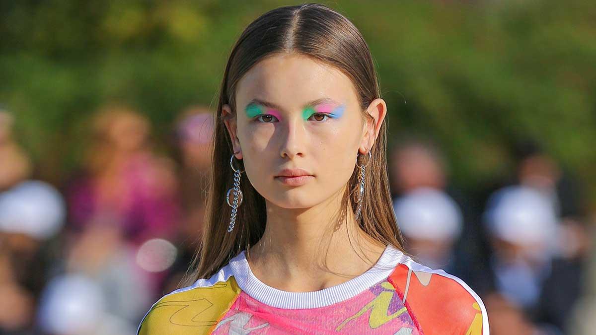 Make-up trends lente zomer 2020. Neon kleurtjes zijn hot