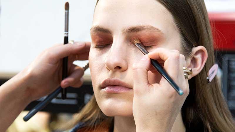 Make-up trends winter 2020. Oogschaduw en eyeliner