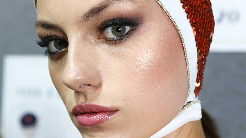 Make-up trends 2020. Blush en terra voor rond, lang of hoekig gezicht.