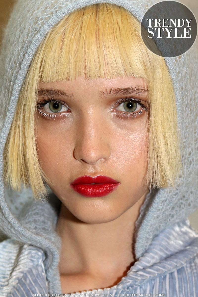 Make-up trends herfst winter 2019 2020. Mascara. Fashion show: Genny
