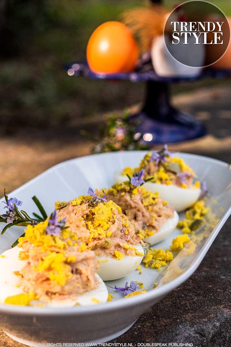 Mimosa-eieren met tonijn en kappertjes
