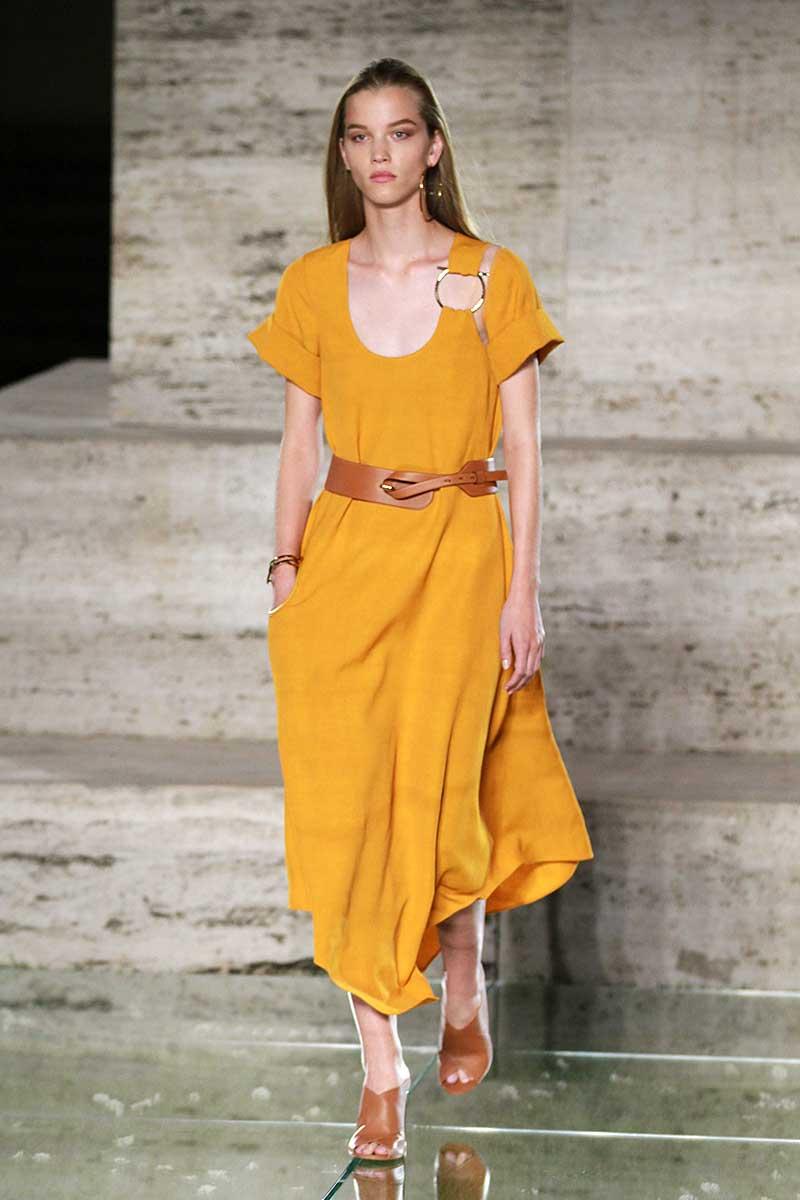Modekleur geel. Ferragamo lente zomer 2018, photo: Ferragamo