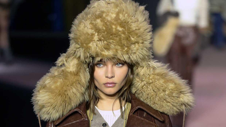 Mode accessoires winter 2020 2021. Hoed, muts of pet