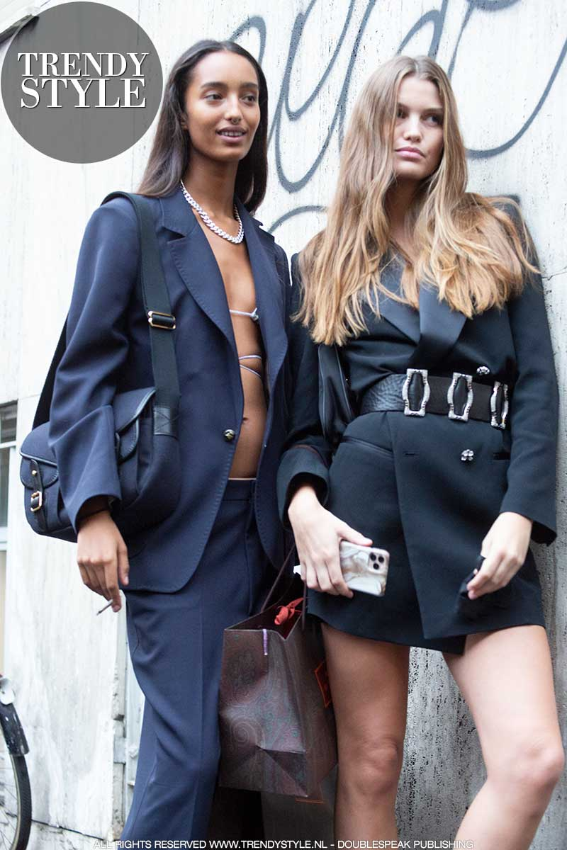 Mode trends 2020. Trend alert: blazers. Streetstyle mode. Foto: Charlotte Mesman