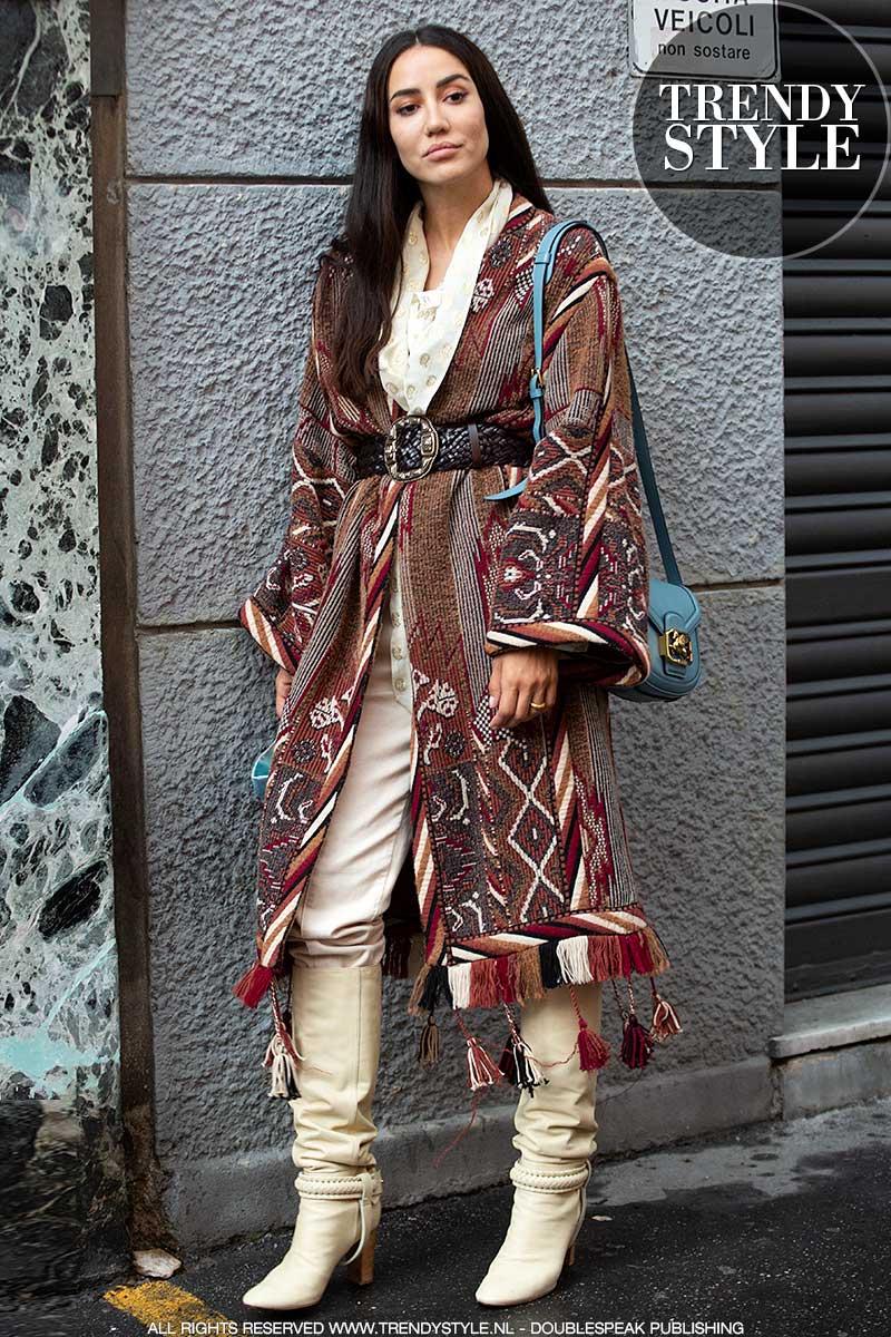 Modetrends herfst winter 2020 2021. Etnische fantasieën in de streetstyle mode