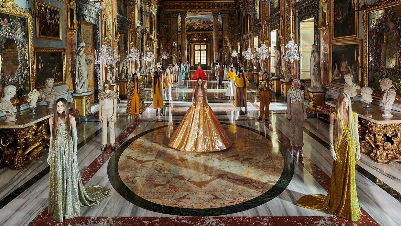 Modetrends 2021. Valentino Haute Couture voor lente zomer 2021. Photo: courtesy of Valentino